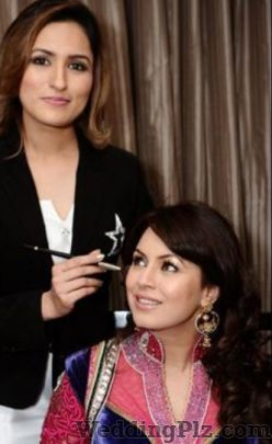 Aashmeen Munjaal Makeup Artists weddingplz