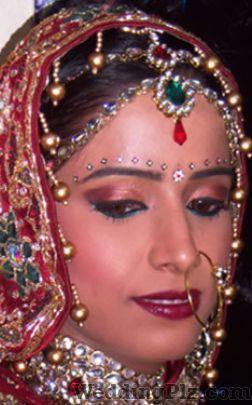 Renu Arora Makeup Artist Makeup Artists weddingplz
