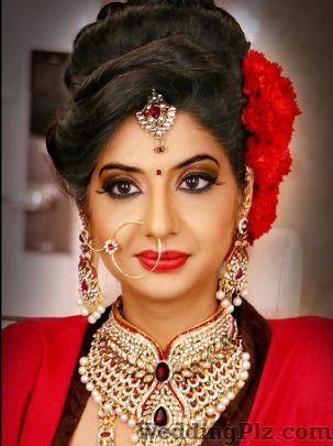Kanikka Tandon Studdio Makeup Artists weddingplz