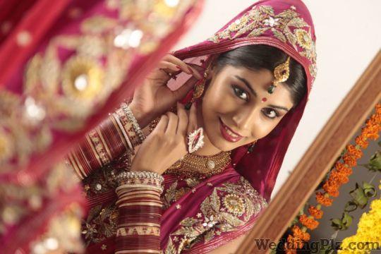 Shallu Chandla Make Up and Hair Styling Makeup Artists weddingplz