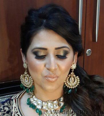 Prerna Khullar Makeup Artist Makeup Artists weddingplz