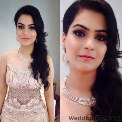 Brushes and More by Parul Duggal Makeup Artists weddingplz