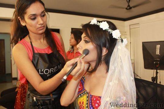 Zorains Studio Makeup Artists weddingplz