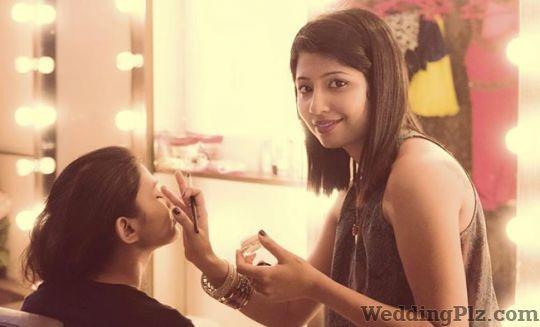 Makeup Artist Saviona Makeup Artists weddingplz