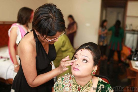 Yani Shrivastava Makeup Artist Makeup Artists weddingplz
