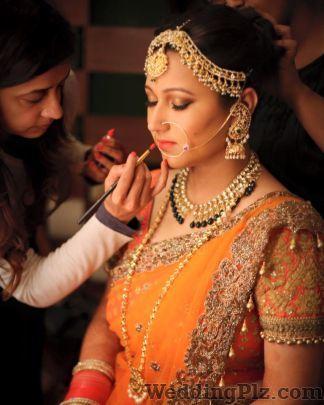 Tanvi Kochar Makeup and Hair Makeup Artists weddingplz