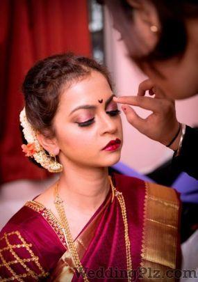 Parul Makeup Artist Makeup Artists weddingplz