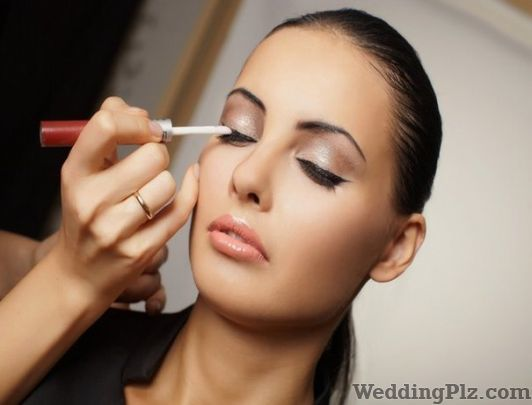 Aditi Roy Make up Artist Makeup Artists weddingplz