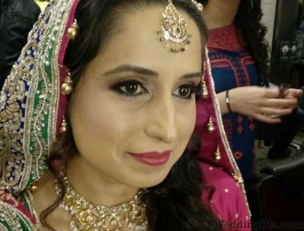 Parivartan The Beauty Expert Makeup Artists weddingplz