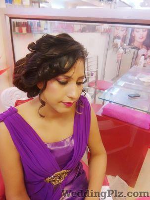 Kaynaat Makeup Studio Makeup Artists weddingplz