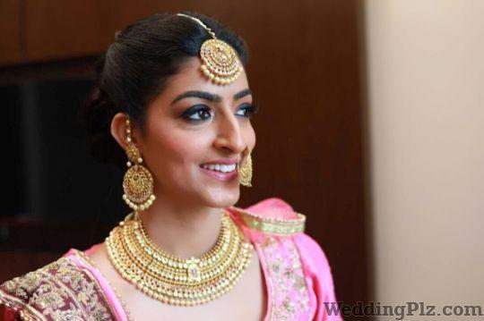 Makeup By Gulshan Makeup Artists weddingplz
