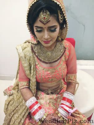Priyanshi Khandelwal Makeovers Makeup Artists weddingplz