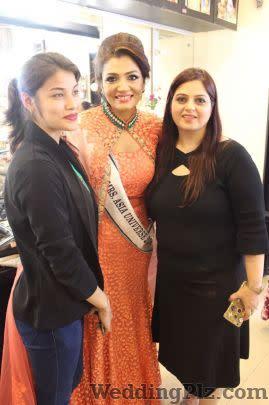 Meerra Mevawala Makeup Artists weddingplz