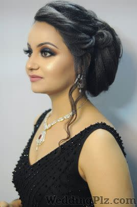 Makeup And Beyond By Apurva Makeup Artists weddingplz