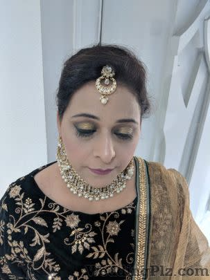 Manpreet Makeovers Makeup Artists weddingplz