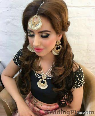 Iti Sharma Makeup Artist Makeup Artists weddingplz
