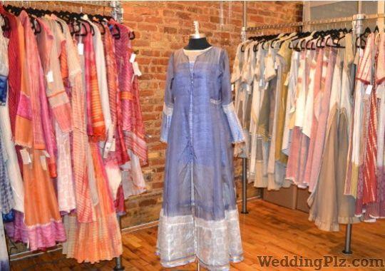 Manika Jain Fashion Designers weddingplz