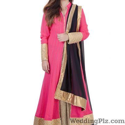 Annie and Sonam Fashion Designers weddingplz