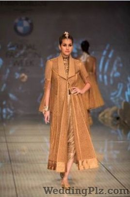 Voiix by Saiba and Maneet Fashion Designers weddingplz
