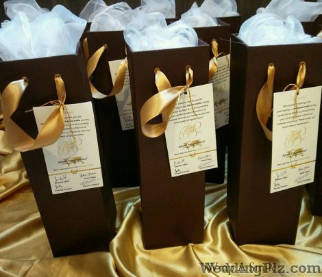 Wrap a Smile by Shreya Ahuja Trousseau Packer weddingplz