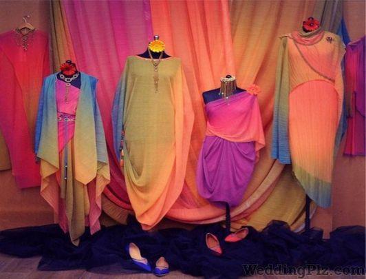 Tarun Tahiliani Boutiques weddingplz