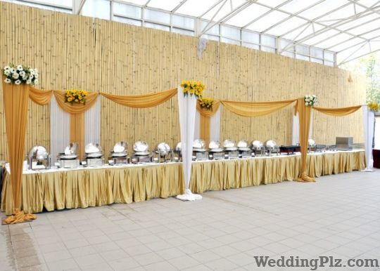 Roses and Petals Flower Decoration Caterers weddingplz