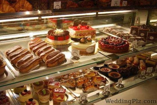 Cent Percent The Pastry Shop Confectionary and Chocolates weddingplz