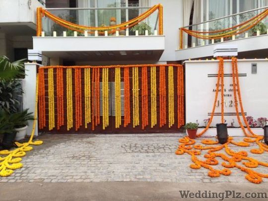 Roses and Petals Flower Decoration Decorators weddingplz