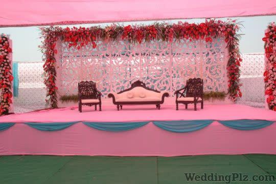 Roses and Petals Flower Decoration Decorators weddingplz